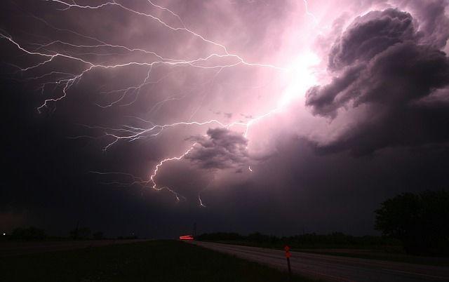 73732-Lightning-In-A-Dark-Sky